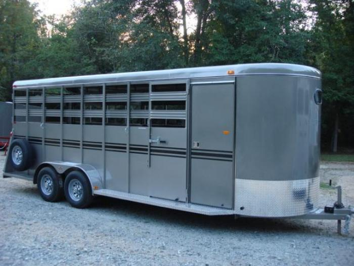http://www.maconcustomtrailers.com/autos/2019-Bee-Horse-Livestock-Macon-GA-1044 - Photo #0