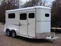 http://www.maconcustomtrailers.com/autos/2019-Bee-Trailers-2-Horse-Straight-Load-Macon-GA-1064 - Photo #0