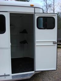 http://www.maconcustomtrailers.com/autos/2019-Bee-Trailers-2-Horse-Straight-Load-Macon-GA-1064 - Photo #19