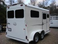 http://www.maconcustomtrailers.com/autos/2019-Bee-Trailers-2-Horse-Straight-Load-Macon-GA-1064 - Photo #5