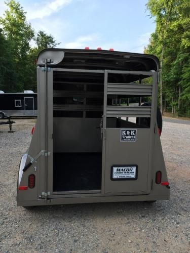 2021 Pewter Metallic Bee Trailers Mini-Livestock , located at 1330 Rainey Rd., Macon, GA, 31220, (478) 960-1044, 32.845638, -83.778687 - Photo #5