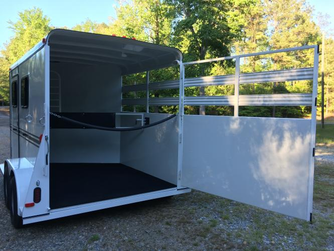 2019 White Bee Trailers 2 Horse Slant Warmblood DR , located at 1330 Rainey Rd., Macon, GA, 31220, (478) 960-1044, 32.845638, -83.778687 - Photo #19