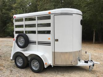 Sold! Bee 2 Horse Straight Load Trailer, Front Escape Door, Mats & Pads! Economy Price!