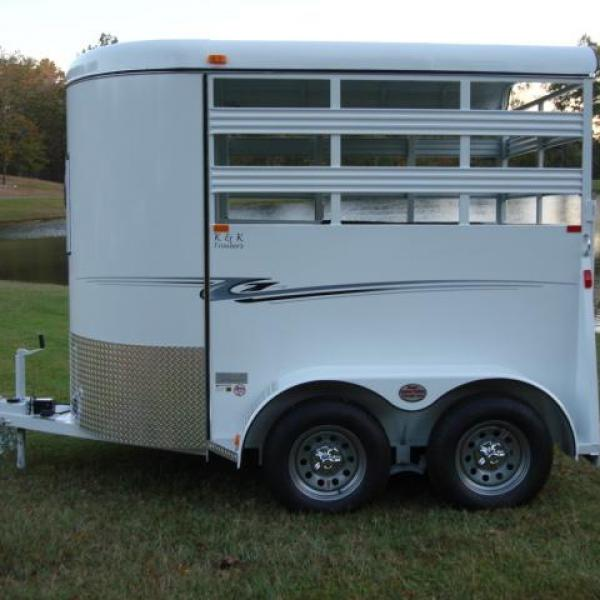 http://www.maconcustomtrailers.com/autos/2019-Bee-Trailers-2-Horse-Straight-Load-Wrangler-Macon-GA-723 - Photo #11