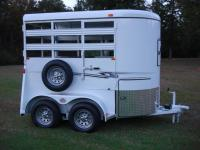 http://www.maconcustomtrailers.com/autos/2019-Bee-Trailers-2-Horse-Straight-Load-Wrangler-Macon-GA-723 - Photo #8