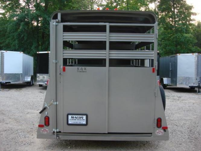2020 Pewter Metallic! Bee Trailers Horse & Livestock , located at 1330 Rainey Rd., Macon, GA, 31220, (478) 960-1044, 32.845638, -83.778687 - Photo #14