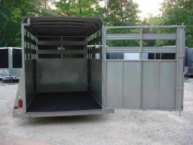 2020 Pewter Metallic! Bee Trailers Horse & Livestock , located at 1330 Rainey Rd., Macon, GA, 31220, (478) 960-1044, 32.845638, -83.778687 - Photo #7