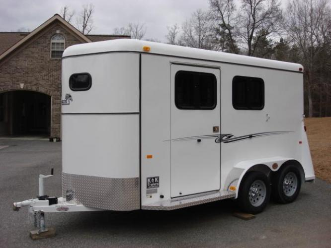 Sold! 6ft X 14ft Fully Enclosed 2 Horse Slant w/Larger Dressing Room! New!