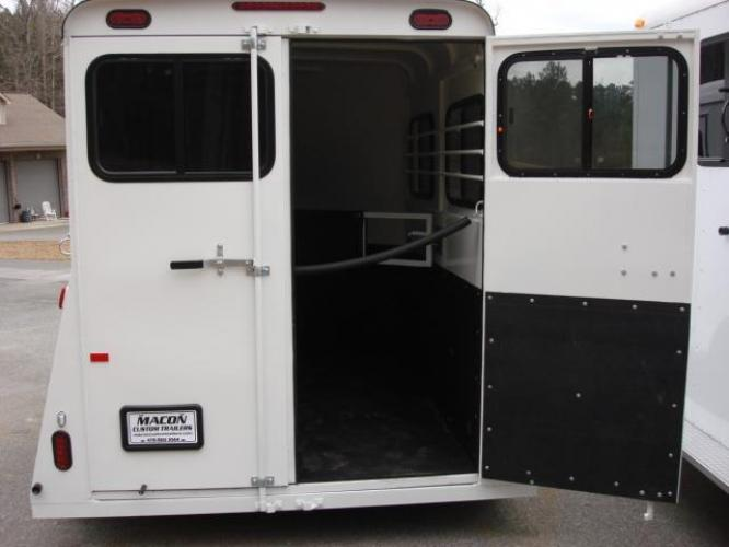 2019 White Bee Trailers 2 Horse Slant Fully Enclosed , located at 1330 Rainey Rd., Macon, GA, 31220, (478) 960-1044, 32.845638, -83.778687 - Photo #10