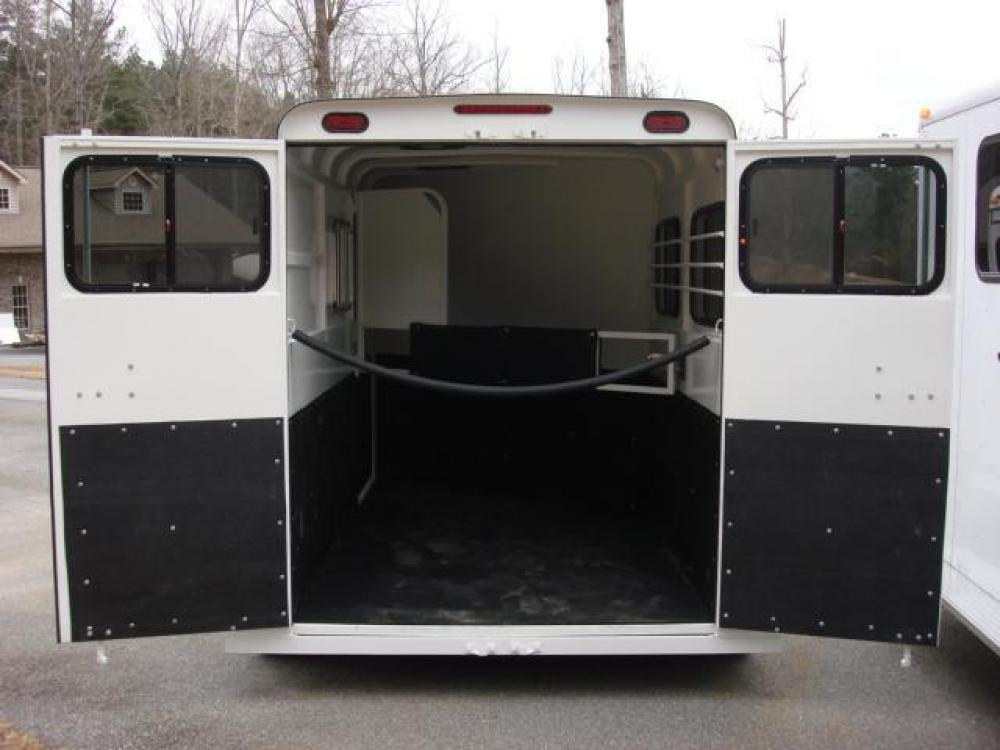 2021 White Bee Trailers 2 Horse Slant Fully Enclosed , located at 1330 Rainey Rd., Macon, GA, 31220, (478) 960-1044, 32.845638, -83.778687 - Photo #11