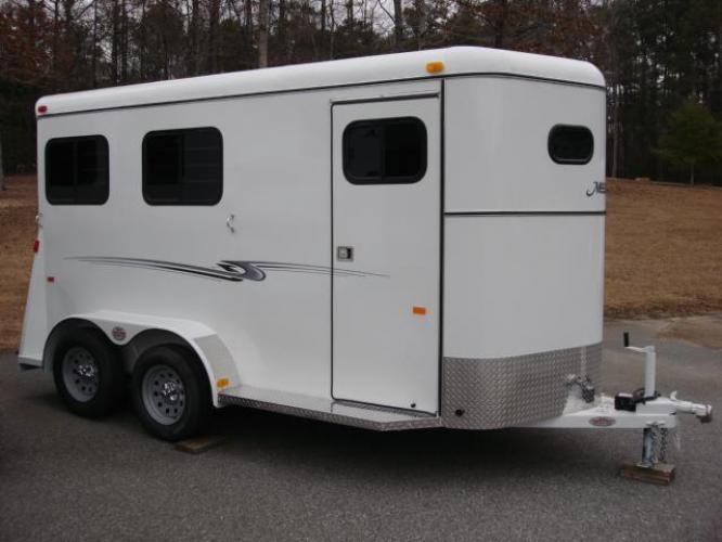 2019 White Bee Trailers 2 Horse Slant Fully Enclosed , located at 1330 Rainey Rd., Macon, GA, 31220, (478) 960-1044, 32.845638, -83.778687 - Photo #6
