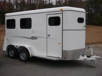http://www.maconcustomtrailers.com/autos/2018-Bee-Trailers-2-Horse-Slant-Fully-Enclosed-Macon-GA-801 - Photo #6