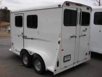 http://www.maconcustomtrailers.com/autos/2018-Bee-Trailers-2-Horse-Slant-Fully-Enclosed-Macon-GA-801 - Photo #8