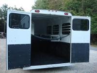 http://www.maconcustomtrailers.com/autos/2019-Bee-3-Horse-Slant-Enclosed-Macon-GA-803 - Photo #10