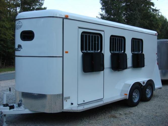 2020 White Bee 3 Horse Slant Enclosed , located at 1330 Rainey Rd., Macon, GA, 31220, (478) 960-1044, 32.845638, -83.778687 - Photo #24