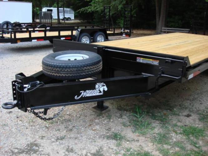 2019 Black Macon Custom Flatbed & Equipment , located at 1330 Rainey Rd., Macon, GA, 31220, (478) 960-1044, 32.845638, -83.778687 - Photo #12