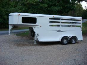 http://www.maconcustomtrailers.com/autos/2019-Bee-Horse-Livestock-Macon-GA-952 - Photo #1