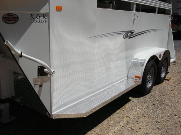 http://www.maconcustomtrailers.com/autos/2019-Bee-Horse-Livestock-Macon-GA-952 - Photo #19