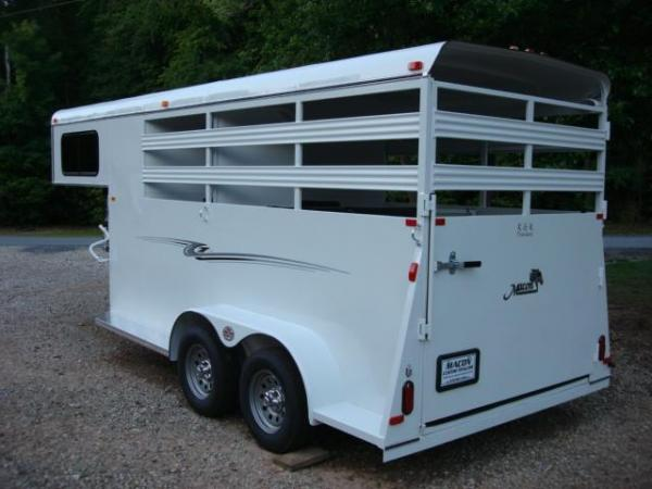 http://www.maconcustomtrailers.com/autos/2019-Bee-Horse-Livestock-Macon-GA-952 - Photo #2